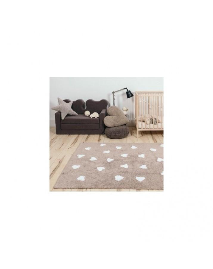 Rusvas skalbiamas kilimas su širdelėmis
