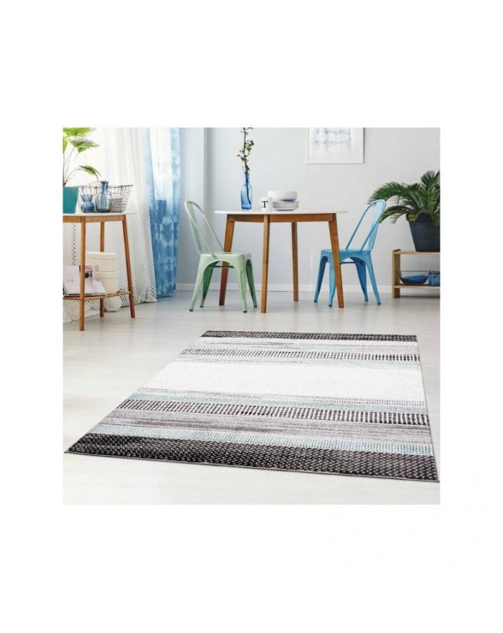 Modernus kilimas su mėlynais akcentais