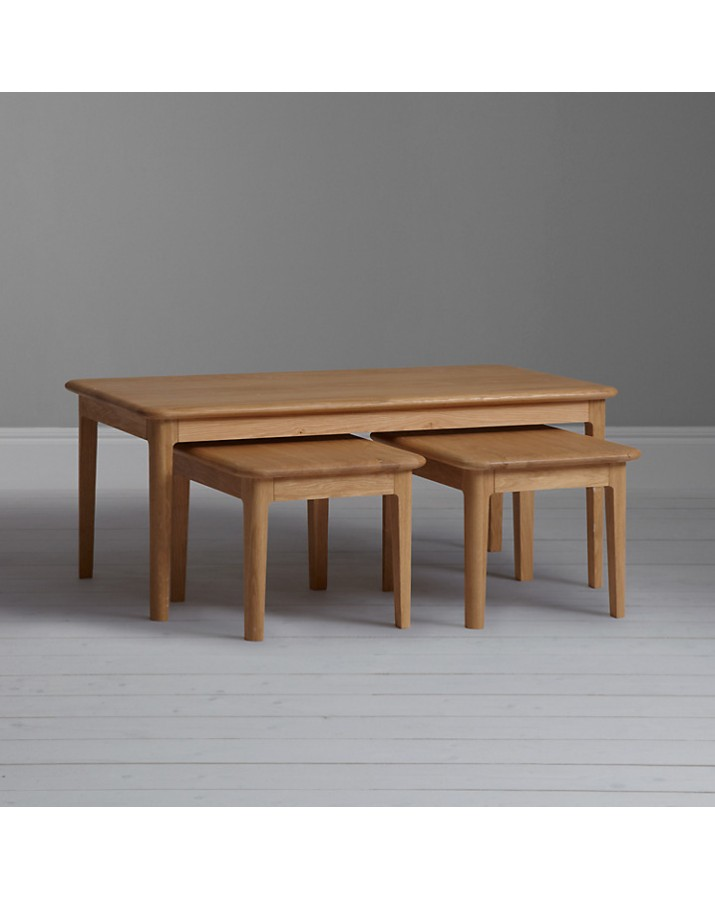 3-jų staliukų komplektas ..