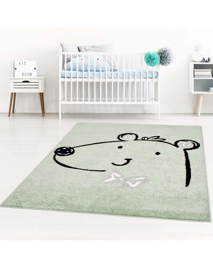 Vaikiškas žalias kilimas ..